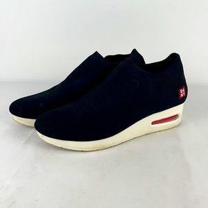 ✨3/$25✨DKNY Alfie Knit Wedge Sneakers - 9.5